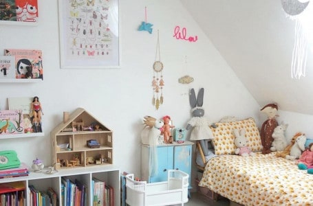 Practical furniture for the toddler's room